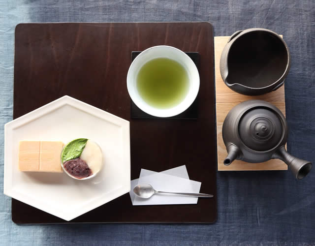 Monaka set with three types of adzuki bean paste